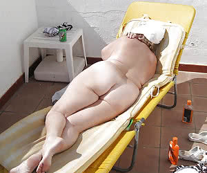 Fat older women showing their nudist asses