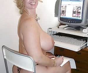 my gf naked at PC