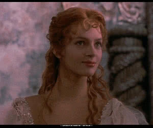 Uma Thurman animated GIF