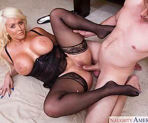 Category: blonde bimbo babes