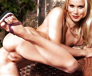 Christina Applegate always need her pussy to be fucked - and no matter by who or what!