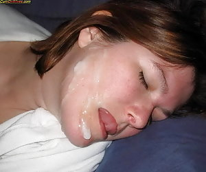 MILFs and cougars love facials