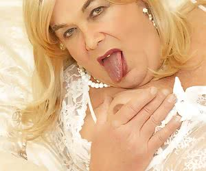 Hi Guys, Let me Introduce Vicki a Red Hot Mature T.S. and a girl who just loves really Sexy Lingerie, now here she is al
