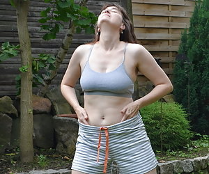 In the garden only once because there is a Strip is so beautiful summery laid.Get out of my light sports vests.Pants wit