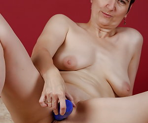 Play with my blue Dildo.Really a horny piece of the good Dildo.I got it as an gift.And this Pictureset is the thank you.