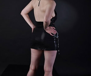 Well, something like this I do not have often.I'm in a wetlook outfit with handcuffs.Well interesting thing and Horny al