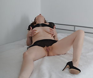 Who would like to come then to me to the bed.In the smart outfit I completely lie relaxed on the bed.Feel fine me proper