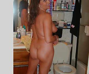 Classy erotic photos of amateur housewives.