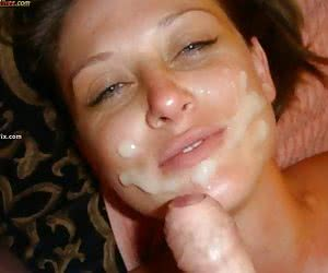 Girlfriend giving oral job and swallowing cumshot