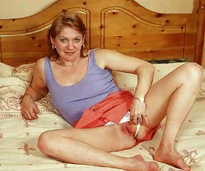 Crazy famous older whores perform the really exotic show inside