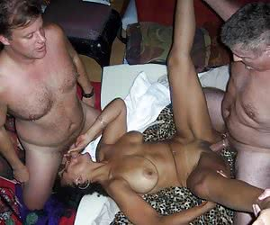 Dirty milfs MMF threesome shots