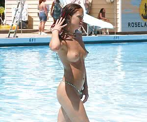 Hot beauty show amazing striptease pictures