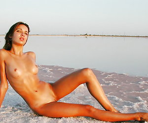 Naked On The Beach! Gallery #144