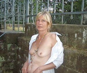 mature outdoor sex thumbs