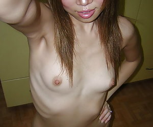 Amateurs showing off their shaved pussies
