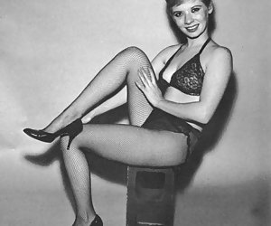 Real vintage lingerie pictures featuring hothead gals proudly show their legs and other delights